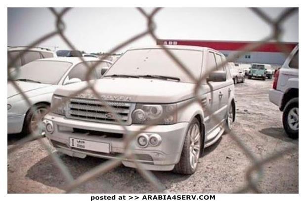 صور-سيارات-غالية-وكلاسيكية-نادرة-و-خارقة-تم-اهمالها-في-دبي-21