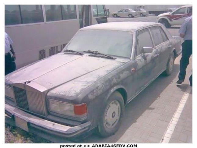 صور-سيارات-غالية-وكلاسيكية-نادرة-و-خارقة-تم-اهمالها-في-دبي-6