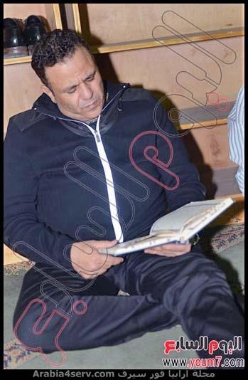 محمد فؤاد يقرأ القرآن