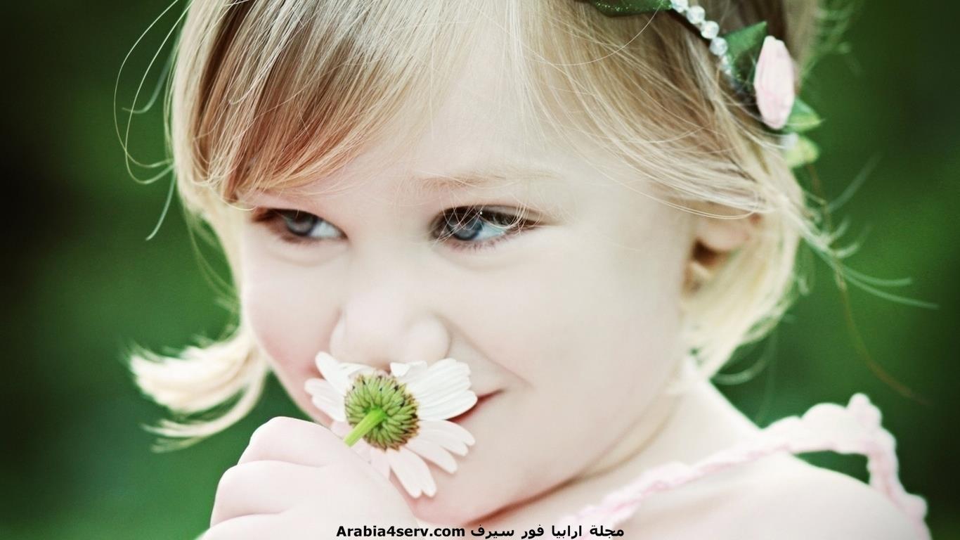 خلفيات-و-صور-اطفال-مع-الزهور-و-الورود-3