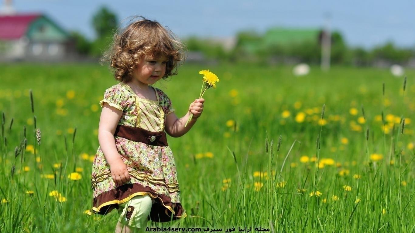 خلفيات-و-صور-اطفال-مع-الزهور-و-الورود-6