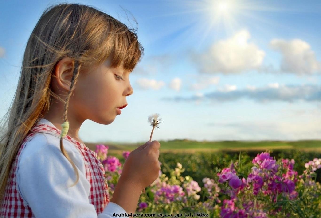 خلفيات-و-صور-اطفال-مع-الزهور-و-الورود-2