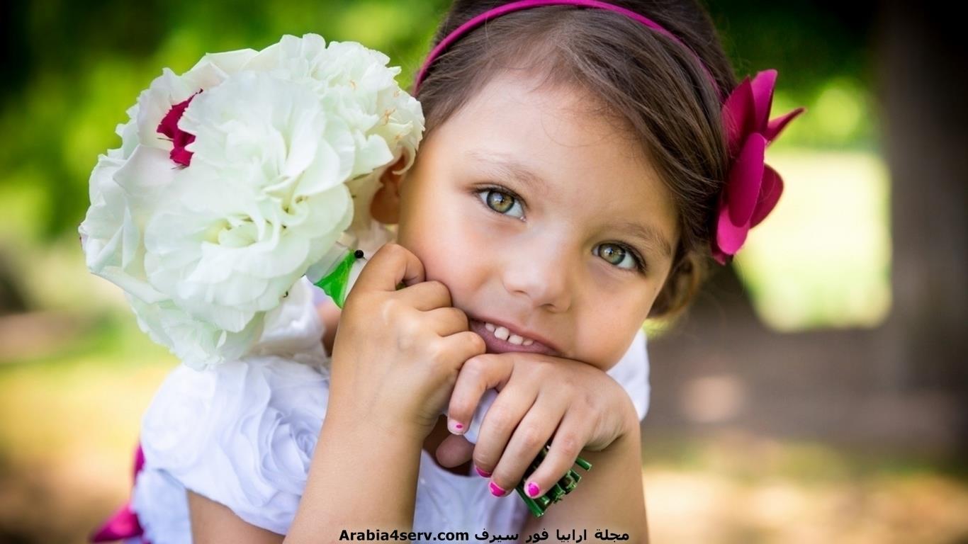 خلفيات-و-صور-اطفال-مع-الزهور-و-الورود-4