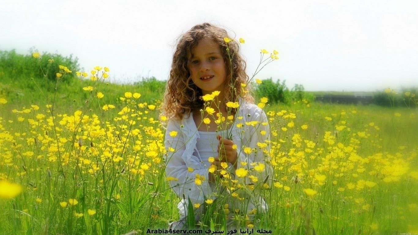 خلفيات-و-صور-اطفال-مع-الزهور-و-الورود-7